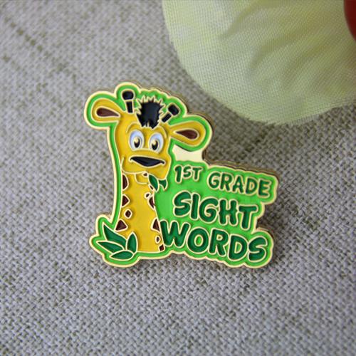 giraffe lapel pins