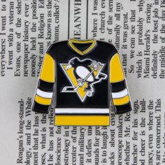 Sweater Custom Lapel Pins