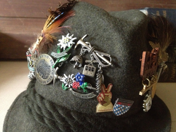 Decorate hat by lapel pins