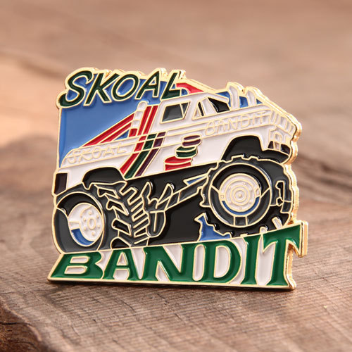 Custom Skoal Bandit Lapel Pins